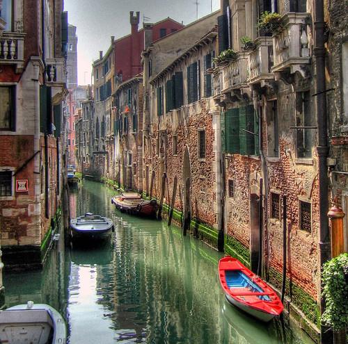 Red boat - Venice