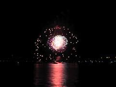 fireworks on lake champlain 4 (andrewrosenstock) Tags: vacation vermont 4th july 2006 andrew rosenstock