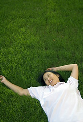 In the Field (Erich's Flickr) Tags: grass relax lay greengrass