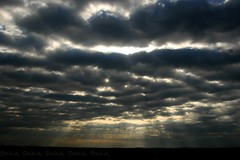 impressive (_Paula AnDDrade) Tags: sky texture clouds catchycolors colorful rays crepuscularrays crepuscular skyplay