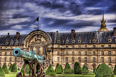 The cannon was vaguely aimed towards Germany (Stuck in Customs) Tags: paris france war palace german cannon hdr germans palacedeinvalides