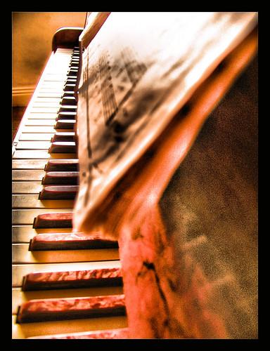 PIANO by colinjones255