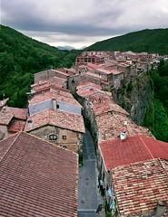 Castellfollit de la Roca - by ferran