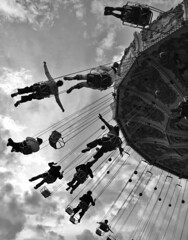 zero gravity ([auro]) Tags: people paris geotagged freedom flying chains gente jesus bestviewedlarge fair swing bn hanging lunapark vetrina giostra maroon5 zerogravity breathing carrousel parigi libert jar