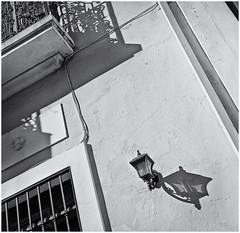Lampara Solitaria (Lonely Lamp) (Black and White Fine Art) Tags: walzflex6x6 walzflex kominar75cmf35 kodaktrix400 lampara lamp sanjuan oldsanjuan viejosanjuan puertorico