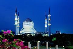 After Sunset...Shah Alam (abdhakamabdah...) Tags: blue sky architecture landscape nightshot malaysia elitechrome urbanscape blueribbonwinner flickrsbest anawesomeshot colorphotoaward aplusphoto wowiekazowie shahalamselangormalaysia selangorstatemosque sultansalehuddinabdulazizmosque