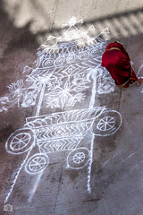 R A N G O L I (Senthilvel Photography) Tags: street people india canon landscape photographer tn indian madras chennai tamil tamilnadu kolam rangoli in svp senthil incredibleindia triplicane parthasarathytemple 700d t5i enchantingtamilnadu ikdts svphotography senthilvel ikdts360 svphotogrpahy svphotographyindia