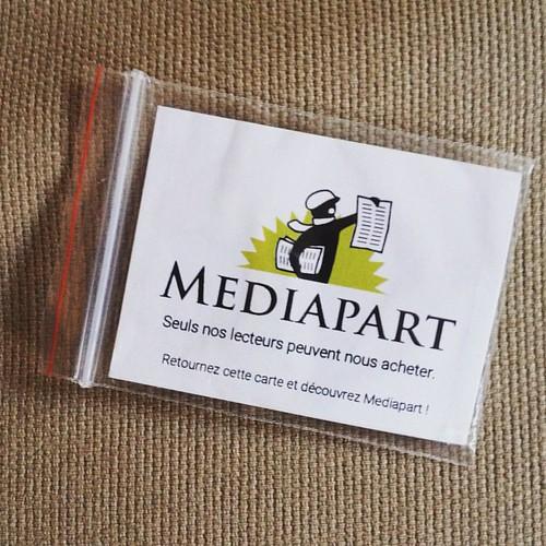 Seuls nos lecteurs peuvent nous acheter, goodie Mediapart (cache-webcam) à ParisWeb