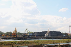 Heating plant coal docks , Wrocaw 10.09.2015 (szogun000) Tags: city urban industry water docks canon river industrial piers poland polska cranes coal complex wrocaw odra heatingplant lowersilesia dolnolskie dolnylsk canoneos550d canonefs18135mmf3556is