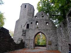 Langesteinbach (fchmksfkcb) Tags: castle church germany deutschland ruin kirche palace ruine monastery badenbaden schloss baden schwarzwald burg burgruine badenwürttemberg badherrenalb klosterruine schlossruine eberstein frauenalb kirchenruine langensteinbach ebersteinburg