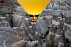 Ballooning Before Dawn, Kapadokya (Bill in DC) Tags: turkey explore ballooning kapadokya 2015 eos5d3 sultanballoons rssv sultanballoon