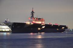 DSC_4437 (NAVY_ICHIHO) Tags: nightphotography japan ship nightshot outdoor illumination nightview yokohama 横浜 fleetreview nightimage jmsdf 海上自衛隊 観艦式 護衛艦 電灯艦飾 いずも ddh183 jsizumo 護衛艦「いずも」