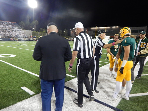 """Edison vs. Fountain Valley 10/31/15 • <a style=""""font-size:0.8em;"""" href=""""http://www.flickr.com/photos/134567481@N04/22633027045/"""" target=""""_blank"""">View on Flickr</a>"""