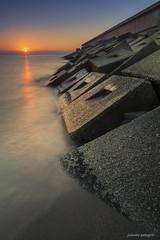 Cubos (juanma pelegrin) Tags: costa landscape playa paisaje amanecer filter canon5d hitech almera haida carboneras degradado polarizador canon1740 densidadneutra juanmapelegrin