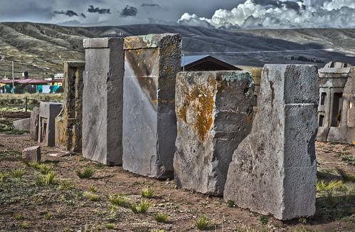 tiwanaku stones