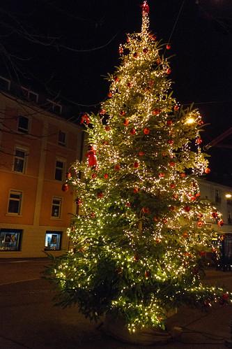 Sapin de Noël dans la Luisenstrasse à Baden-Baden