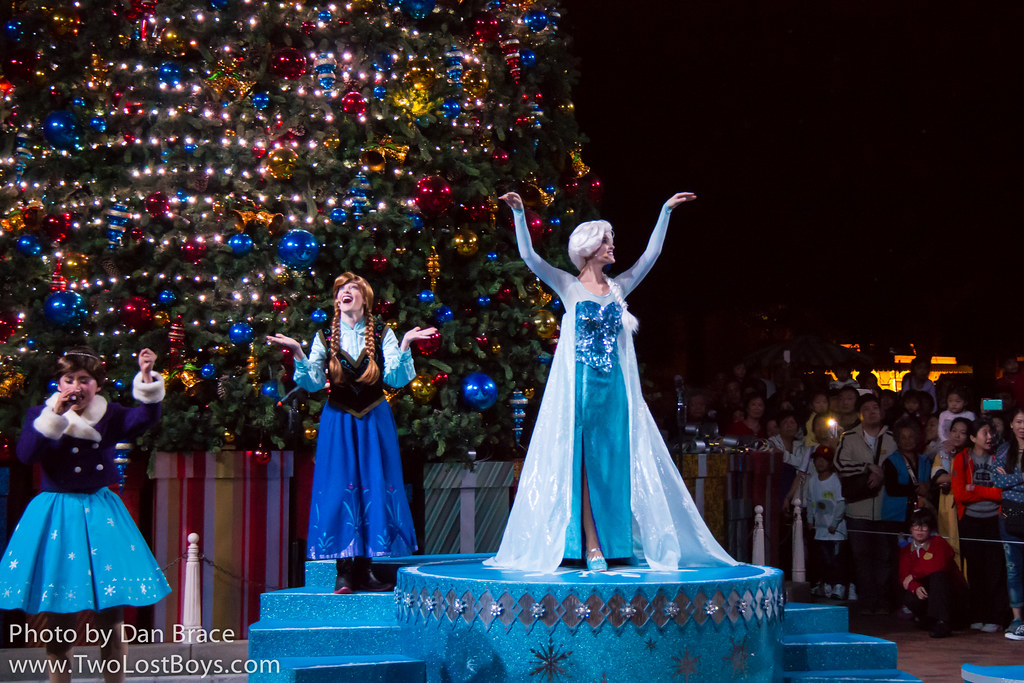 Frozen Christmas Special.Frozen Christmas Tree Lighting Ceremony At Disney Character