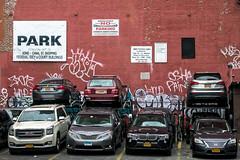 Crise du logement (Lucille-bs) Tags: amérique etatsunis usa newyork manhattan parking murrouge voiture véhicule stationnement soho canalstreet tag