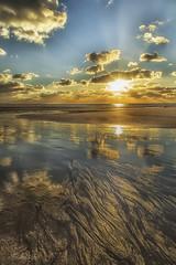 Hour Sunset on the beach of Lostmarc'h.. Peninsula of Crozon ( 29 ), Brittany France (khan.Nirrep.Photo) Tags: bretagne breizh bleu blue beach reflet plage sable océan iroise finistère crozon ciel sunset sky soleil
