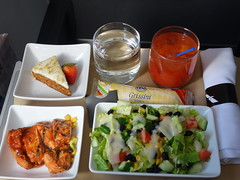 201610362 AA6037 SEA-LAX lunch (taigatrommelchen) Tags: 20161042 flyingmeals airplane inflight meal food lunch first aal cpz americanairlines compassairlines aa6037 e175 n211nn sealax