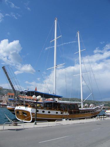 Trogir, kikötő
