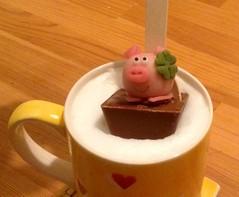 Badetag - heisse Glücksschokolade zur guten Nacht (Sockenhummel) Tags: schwein pig marzipan marzipanschwein schokolade trinkschokolade kakao chocolate hotchocolate