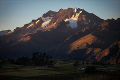 Sacred Valley at Dusk (kate willmer) Tags: hills mountain snow sunset dusk valley sacredvalley sunshine rocks cusco alitplano peru