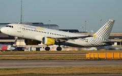 A320 Vueling (matgawron) Tags: plane planespotting airport landing gear power airbus boeing man egcc b757 ielandair a321 a320 a319 sas aegan brussels austrian embraer a170 a175a190 a195 american usa delta b763 b767 b752 b747 thomas cook easyjet ryanair vueling cathay pacific hainan b777 b773 b772 sun v1 rotate take off