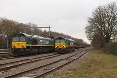 PB01 PB16 RTB @ Olen (Peter Van Gestel) Tags: olen koper trein rtb rur tal bahn ruhr class 66 lijn ligne 15