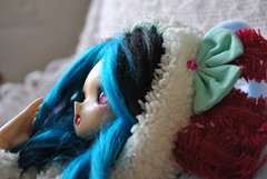 cocooning (Madcat ♥) Tags: sq lab moe pouf maguynel mad cat bjd
