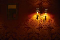 David Lynch curtain (Herv KERNEIS) Tags: red wall rouge restaurant lampe curtain provence miroir 13 mur applique gastronomie motifs meo davidlynch tarascon nikkor50mmf14 nikond700 captureone8