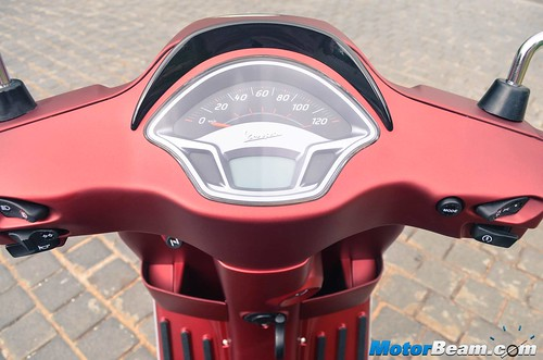 Piaggio-Vespa-150-09