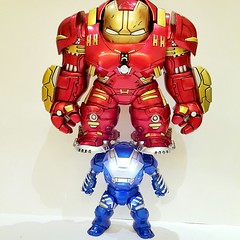 IGOR MK38 carries MK44(MK 43 is inside) (Alfred Life) Tags: toy ironman igor  man mark43 iron hulkbuster mk38 mk43  mark38