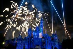 Disneyland Forever Fireworks (GMLSKIS) Tags: california fireworks disneyland disney amusementpark anaheim disneylandforever