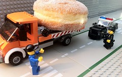 Control, show me out on a car stop with illegal donut transport... roll another unit (Brick Police) Tags: july23 minifig