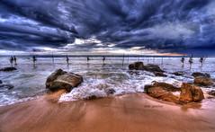 Pole position (Saint-Exupery) Tags: sea beach mar nikon playa pole srilanka palo pescadores welligama stillfisher
