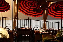 DPP_422 (Alesamo) Tags: tramonto mare terre vernazza ombrelloni ristorante cinque tavoli
