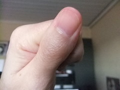 DSCF6305 (ongle86) Tags: sucer ronger ongles doigts mains thumb sucking nails biting fingers licking hand fetish