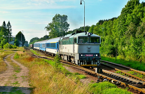 "754.030 - R 935 ""Kyšperk"" (Praha hl.n. - Letohrad) - locomotive 754.030 with fast train 935 - POTŠTEJN"