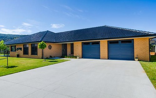 16 Thornley Close, Lithgow NSW