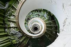 Green Inferno (www.nicolabertellotti.com) Tags: stairs scale hotel albergo urbex abbandono abbandonato abbandonata abandoned decay decadenza forgotten lost ruin ruins rovina rovine