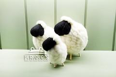 F.R.O.G.S AA0045手工手作羊毛氈黑臉白身羊咩咩飾品絨毛玩具交換禮物創意禮物生日禮物-小08
