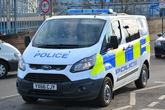 YX66 CJY (S11 AUN) Tags: humberside police ford transit custom van cell cage station response 999 emergency vehicle yx66cjy
