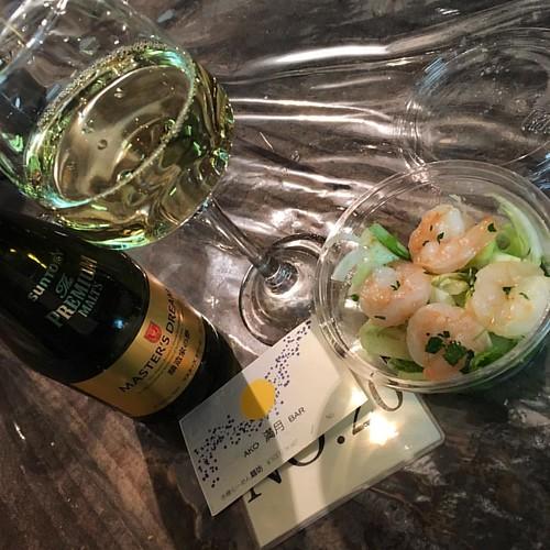 AKO 満月 BAR ビールと白ワインとサラダ