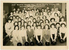 Curtiss Candy Company Mixed Bowling League, Chicago, Illinois, 1949 (Alan Mays) Tags: old chicago men sports smiling portraits vintage illinois mixed women candy photos smiles balls il ephemera ill 1940s photographs bowling recreation sheridan 1949 bowlingballs companies foundphotos leagues curtiss bowlers wilsonavenue bowlingalleys february3 curtisscandycompany curtisscandy bowlingleagues curtiscandyco mixedbowlingleague mixedleagues sheridanrecreation