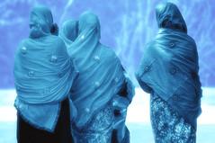 BANGLADESH344 (Glenn Losack M.D.) Tags: women locals photojournalism dhaka bangladesh saris glennlosack losack