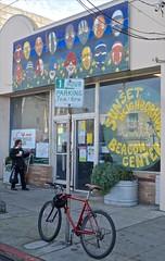 Sunset Neighborhood Beacon Center, (David McSpadden) Tags: sanfrancisco street noriega beaconcenter