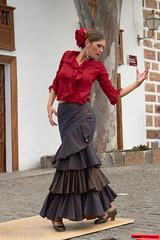 Ballerina di Flamenco al mercato domenicale di Tigua, girovagando per la bella isola di Lanzarote. Flamenco's dancer at sunday street market of Tigua, in tour fot the wonderful island Lanzarote. (omar.flumignan) Tags: street red black art canon pose island eos ballerina strada artist arte market sunday lanzarote dancer unesco 7d rosso mercato nero flamenco spagna artista isola canarie posa domenicale ef24105f4lisusm tigua