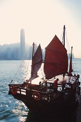 (Shimechii) Tags: city sunset sea hk hongkong boat ship traditional snap victoriaharbor vsco iphoneography vscocam iphone6s