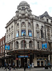 [37359] London - Shaftesbury Avenue : Gielgud Theatre (Budby) Tags: london theatre westend edwardian theatreland cityofwestminster